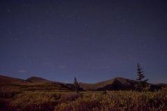Νύχτα βουνών Στοκ εικόνα με δικαίωμα ελεύθερης χρήσης