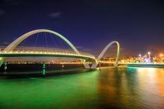 Νύχτα γεφυρών αποβαθρών της Elizabeth Στοκ Φωτογραφίες