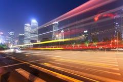 Νύχτα, ελαφριά ίχνη της Σαγκάη Pudong Στοκ Εικόνες
