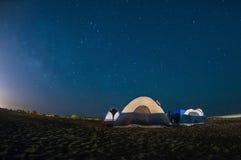 Νύχτα κάτω από τα αστέρια Στοκ Φωτογραφία