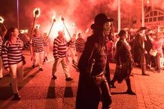 Νύχτα και παρέλαση φωτιών Hastings στις 14 Οκτωβρίου 2017 Στοκ εικόνες με δικαίωμα ελεύθερης χρήσης