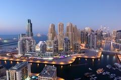 νύχτα μαρινών του Ντουμπάι στοκ εικόνες με δικαίωμα ελεύθερης χρήσης