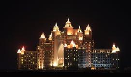 νύχτα ξενοδοχείων του Ντουμπάι atlantis Στοκ Εικόνες