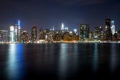 Νύχτα οριζόντων πόλεων της Νέας Υόρκης Στοκ Εικόνα