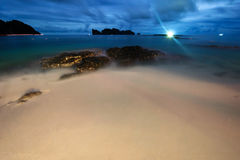 νύχτα παραλιών τροπική Phuket Ταϊλάνδη Στοκ Εικόνες