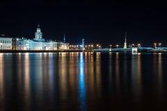 νύχτα Πετρούπολη ST Στοκ Φωτογραφίες