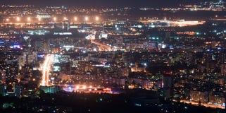 Νύχτα πόλεων ââat Στοκ Εικόνες