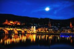 Νύχτα πόλεων της Χαϋδελβέργης Στοκ εικόνες με δικαίωμα ελεύθερης χρήσης
