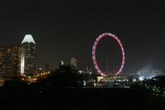 νύχτα Σινγκαπούρη ιπτάμενων Στοκ φωτογραφίες με δικαίωμα ελεύθερης χρήσης