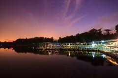 Νύχτα στην αποβάθρα Στοκ φωτογραφίες με δικαίωμα ελεύθερης χρήσης