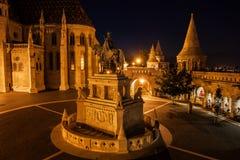 Νύχτα στην περιοχή του Castle της πόλης της Βουδαπέστης Στοκ Εικόνα