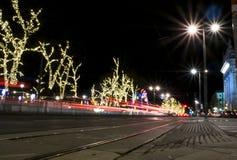 Νύχτα στη Βιέννη με την αφθονία των φω'των Στοκ φωτογραφία με δικαίωμα ελεύθερης χρήσης