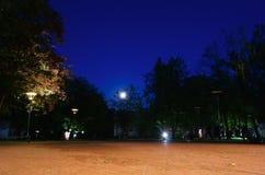 Νύχτα στη λιθουανική πόλη Στοκ φωτογραφίες με δικαίωμα ελεύθερης χρήσης