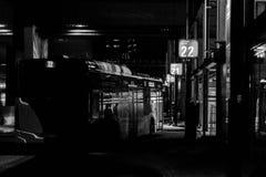 Νύχτα στον αερολιμένα στοκ εικόνα με δικαίωμα ελεύθερης χρήσης