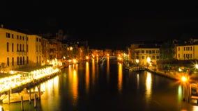 Νύχτα στο μεγάλο κανάλι Βενετία Στοκ φωτογραφία με δικαίωμα ελεύθερης χρήσης