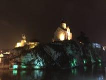 Νύχτα στο Tbilisi Πρωτεύουσα της Γεωργίας Στοκ φωτογραφία με δικαίωμα ελεύθερης χρήσης