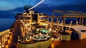 Νύχτα ταχύπλοων σκαφών Στοκ φωτογραφία με δικαίωμα ελεύθερης χρήσης
