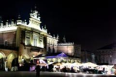 νύχτα της Κρακοβίας πόλεω& Στοκ εικόνα με δικαίωμα ελεύθερης χρήσης