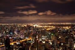 νύχτα της Μπανγκόκ που φαίν&epsil Στοκ Εικόνες