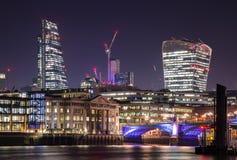 νύχτα του Λονδίνου πόλεω&n Στοκ εικόνες με δικαίωμα ελεύθερης χρήσης
