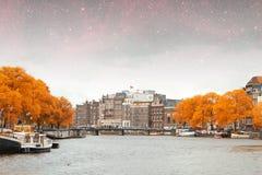 Νύχτα φθινοπώρου του Άμστερνταμ Στοκ φωτογραφίες με δικαίωμα ελεύθερης χρήσης