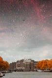 Νύχτα φθινοπώρου του Άμστερνταμ Στοκ φωτογραφία με δικαίωμα ελεύθερης χρήσης