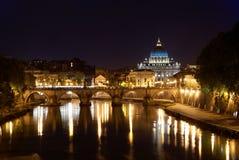 νύχτα Peter Ρώμη s Άγιος Βατικανό β& Στοκ Εικόνες