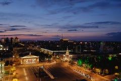 Νύχτα sity, άποψη από τη στέγη Στοκ Εικόνες