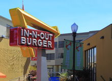 -ν-ΕΞΩ Burger στοκ εικόνες