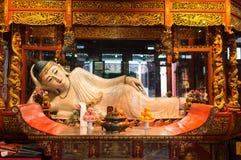 Ξάπλωμα του αγάλματος στο ναό Σαγγάη Κίνα του Βούδα νεφριτών Στοκ Φωτογραφία