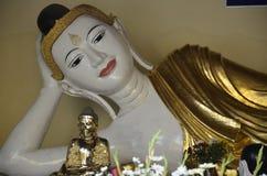 Ξάπλωμα του αγάλματος του Βούδα στην παγόδα Shwedagon Στοκ φωτογραφίες με δικαίωμα ελεύθερης χρήσης