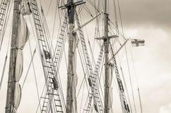 Ξάρτια ιστών και sailboat Στοκ φωτογραφία με δικαίωμα ελεύθερης χρήσης