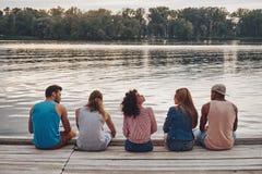 Ξένοιαστος χρόνος με τους φίλους στοκ φωτογραφίες με δικαίωμα ελεύθερης χρήσης