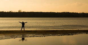 Ξένοιαστο πρόσωπο στην παραλία Στοκ φωτογραφίες με δικαίωμα ελεύθερης χρήσης