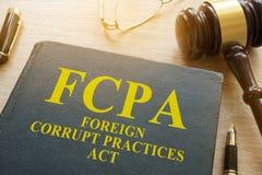 Ξένος νόμος διαφθορών FCPA σε ένα γραφείο Στοκ Φωτογραφίες