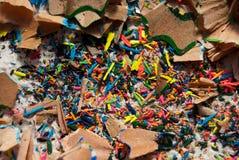 Ξέσματα της χρωματισμένης κινηματογράφησης σε πρώτο πλάνο μολυβιών Στοκ Φωτογραφίες