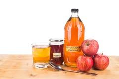 Ξίδι μηλίτη της Apple με το μέλι, τις φυσικές θεραπείες και τις θεραπείες για το γ Στοκ φωτογραφία με δικαίωμα ελεύθερης χρήσης