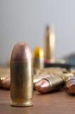 Ξαναφόρτωμα των πυρομαχικών στοκ εικόνες με δικαίωμα ελεύθερης χρήσης