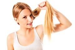 ξανθά μαλλιά Όμορφη γυναίκα με ευθύ μακρυμάλλη Στοκ Εικόνες
