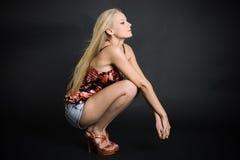 ξανθά μοντέρνα σορτς τζιν Στοκ φωτογραφία με δικαίωμα ελεύθερης χρήσης
