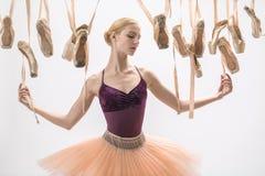 Ξανθά ballerina και pointe παπούτσια Στοκ φωτογραφία με δικαίωμα ελεύθερης χρήσης
