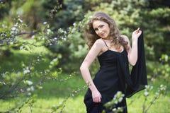 ξανθές νεολαίες γυναικών πορτρέτου ρομαντικές Στοκ Φωτογραφίες