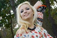 ξανθές νεολαίες γυναικώ& Στοκ εικόνες με δικαίωμα ελεύθερης χρήσης