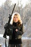 ξανθές νεολαίες πυροβόλων όπλων στοκ εικόνες
