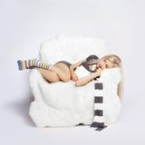 ξανθή έδρα βραχιόνων γούνινη Στοκ φωτογραφία με δικαίωμα ελεύθερης χρήσης
