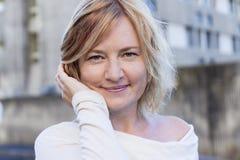 ξανθή γυναίκα πορτρέτου Στοκ Φωτογραφίες