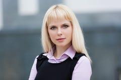 ξανθή επιχειρησιακή γυναί Στοκ Φωτογραφίες