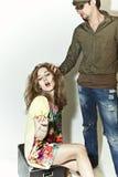 ξανθή στενάζοντας γυναίκ&alph Στοκ φωτογραφία με δικαίωμα ελεύθερης χρήσης
