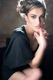 ξανθή χαριτωμένη κυρία στοκ εικόνα με δικαίωμα ελεύθερης χρήσης