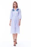 Ξανθός γυναικών ένδυσης κατάλογος το όμορφο s συλλογής φορεμάτων βαμβακιού περιστασιακός Στοκ εικόνες με δικαίωμα ελεύθερης χρήσης